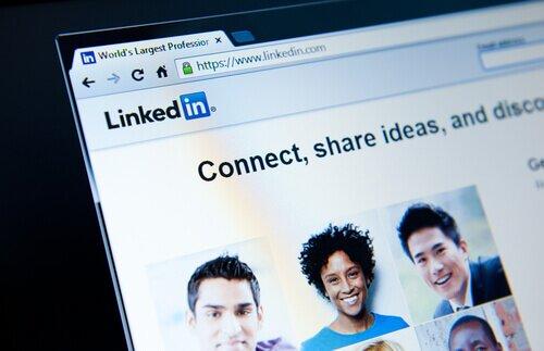 cómo publicar en LinkedIn en Español, publicar en LinkedIn, post en LinkedIn, LinkedIn blog, LinkedIn para bloggers